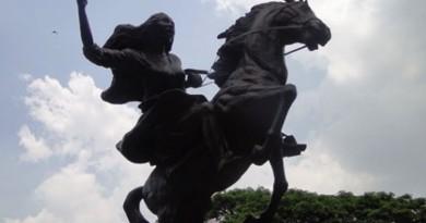 Gabriela Silang statue